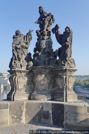 Bridge sculpture